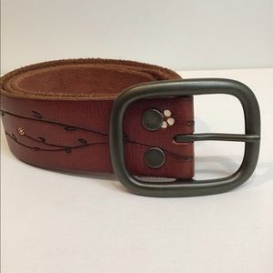 GAP Floral Detail Leather Belt